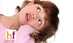 ¿Cómo cuidar la espalda de los niños en casa?
