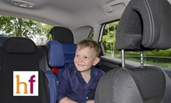 Cómo deben viajar en el coche los mayores 4 años