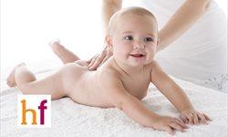Beneficios del masaje infantil para los padres