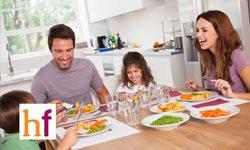 Las normas de educación en la mesa para los niños