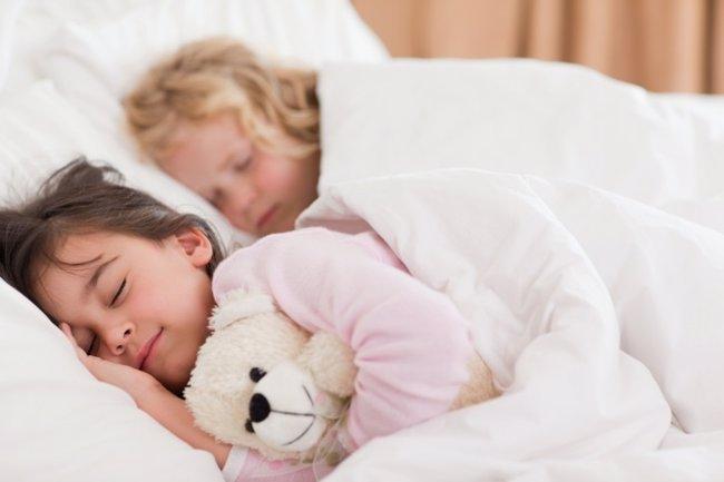 Foto: 4 beneficios de dormir fuera de casa (THINKSTOCK)