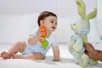 Ejercicios para bebés: agarrar y soltar
