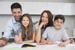 Cómo ayudar a tu hijo a sacar buenas notas este curso (ISTOCK)